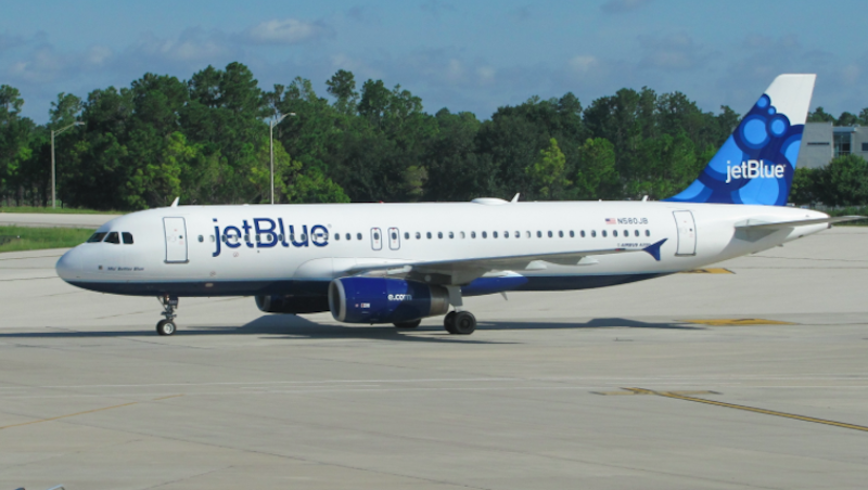 JetBlue Helps Mom Fly with Babies