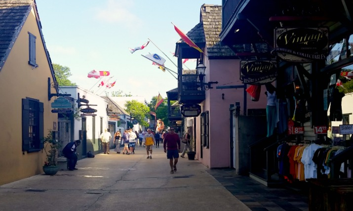 The bustling streets of the Old City in St. Augustine, Florida. Photo by Mary Moore / Retro TravelingMom