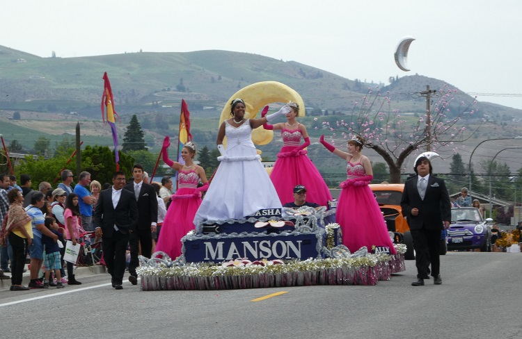 lake-chelan-manson-apple-blossom-festival