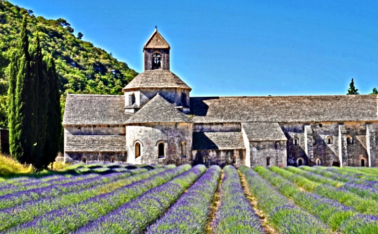 Senangue Abbey, Provence