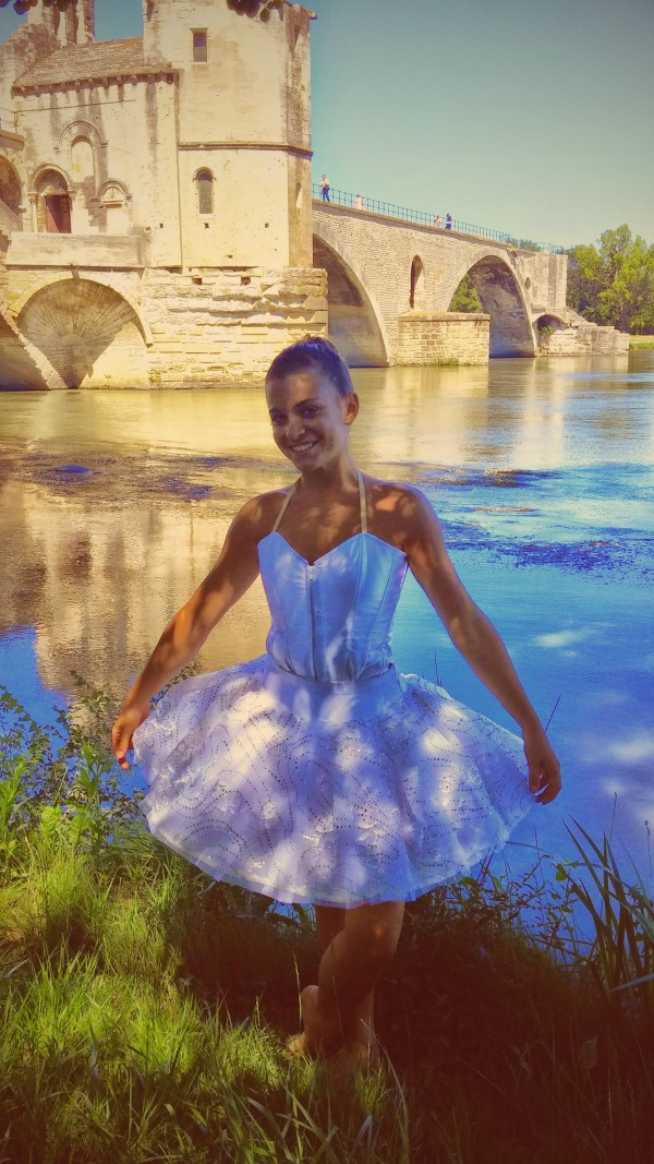 Lavender fields in Provence France - how to plan a trip. Yound dancer by Avignon bridge.