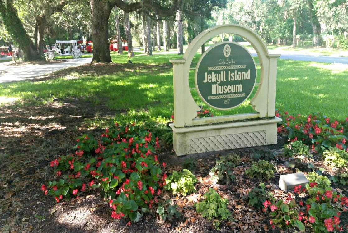 The Jekyll Island Museum offers free exhibits about the history of the island.
