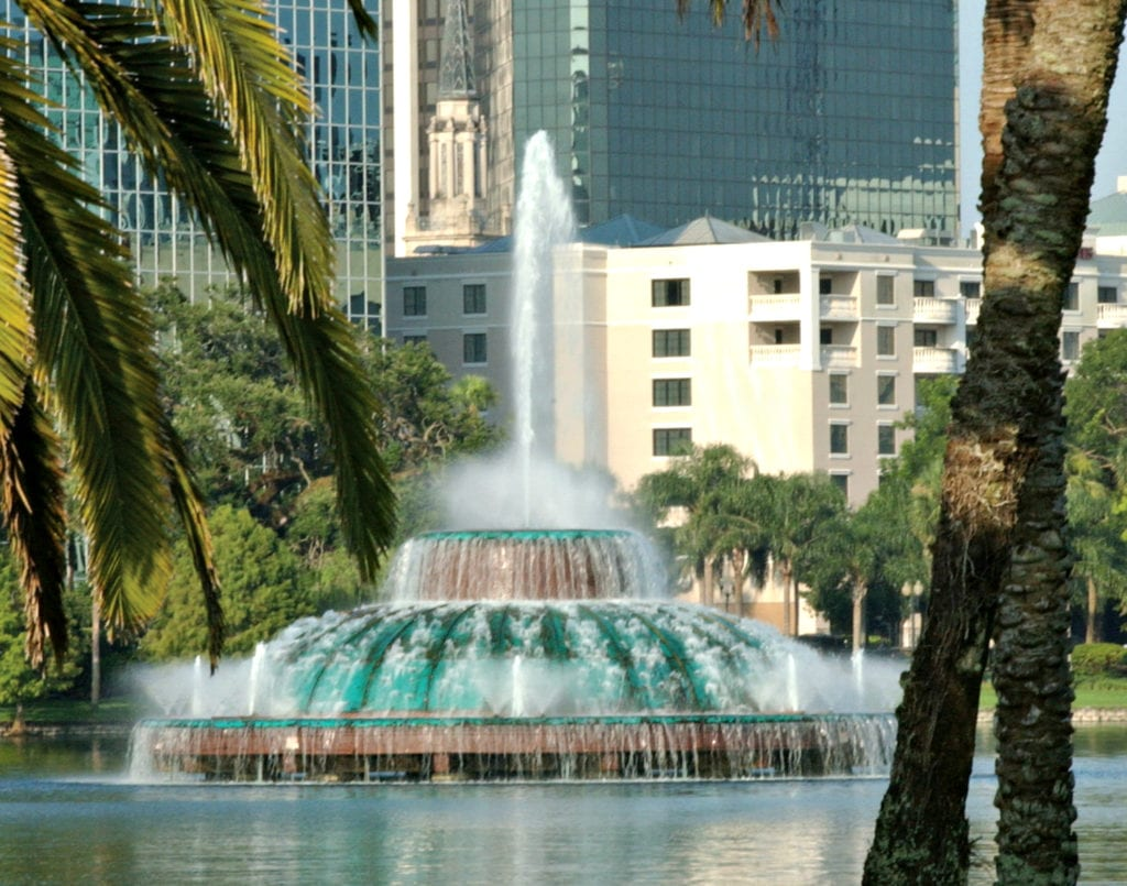 Free things to do in Orlando Lake Eola in downtown Orlando - TravelingMom.com
