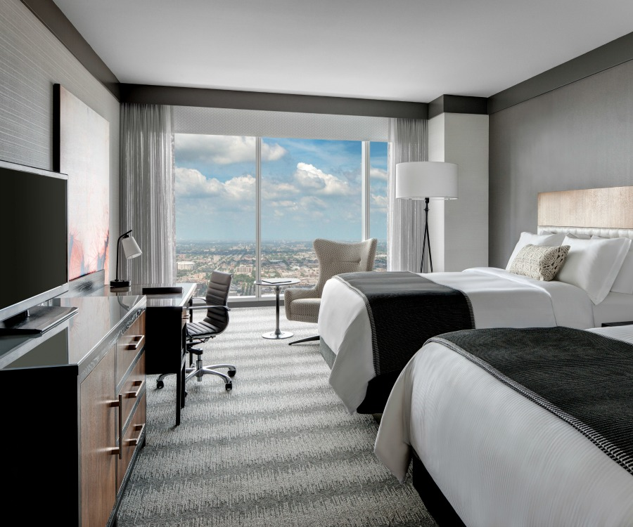 Loews Chicago Hotel Guest Room Double-Traveling Mom