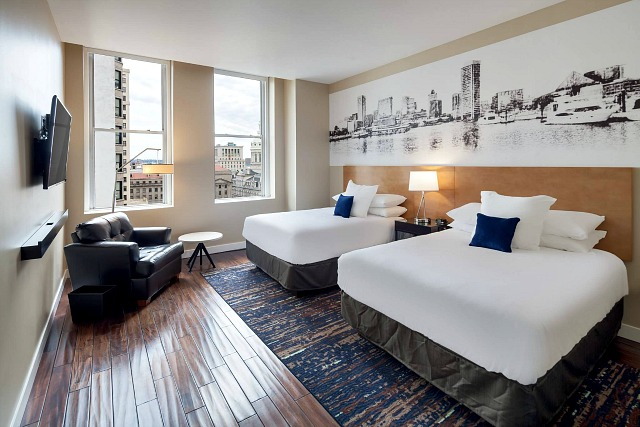 what are the rooms like at the Hotel RL Baltimore