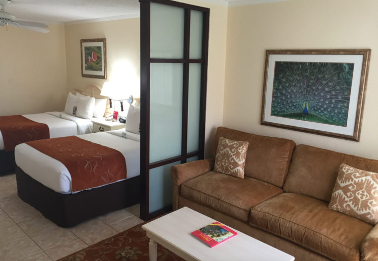 hotel review - comfort suites paradise island