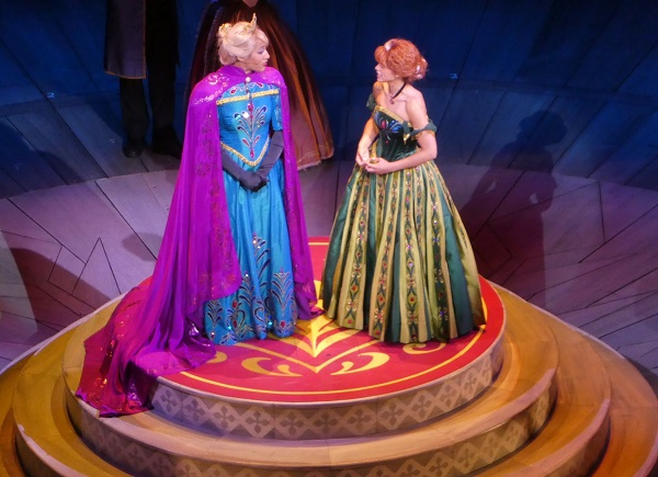6 Favorite Experiences at Disney California Adventure Frozen Live at the Hyperion Anna and Elsa