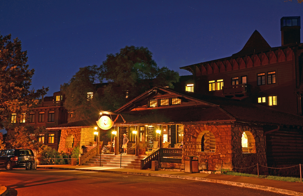 El Tovar Hotel, Grand Canyon for Families, Ultimate Guide to exploring the Grand Canyon with kids,