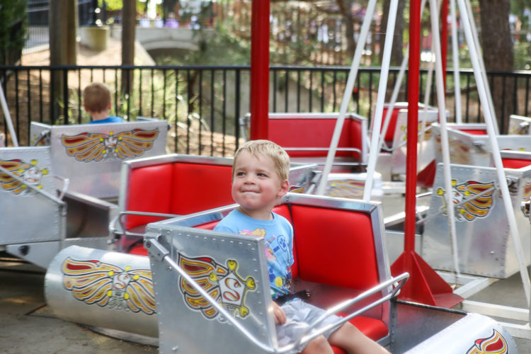 Everything you need to know about visiting Hersheypark with young kids! What to eat, what to ride, and even where to stay in Hershey PA.