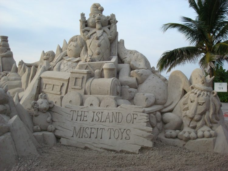 Try out these 4 tips to create sand sculptures like a pro.