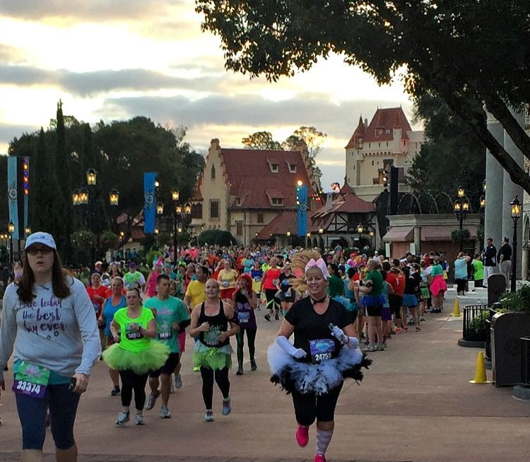 Proper runDisney race etiquette says please stay to the right and pass on the left.