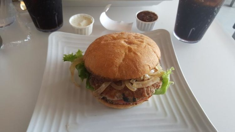 Burger Lounge is within walking distance of La Jolla beach and serves yummy food.