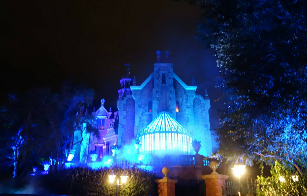 Disney Decision: 4 Reasons Why Walt Disney World's Haunted Mansion Wins