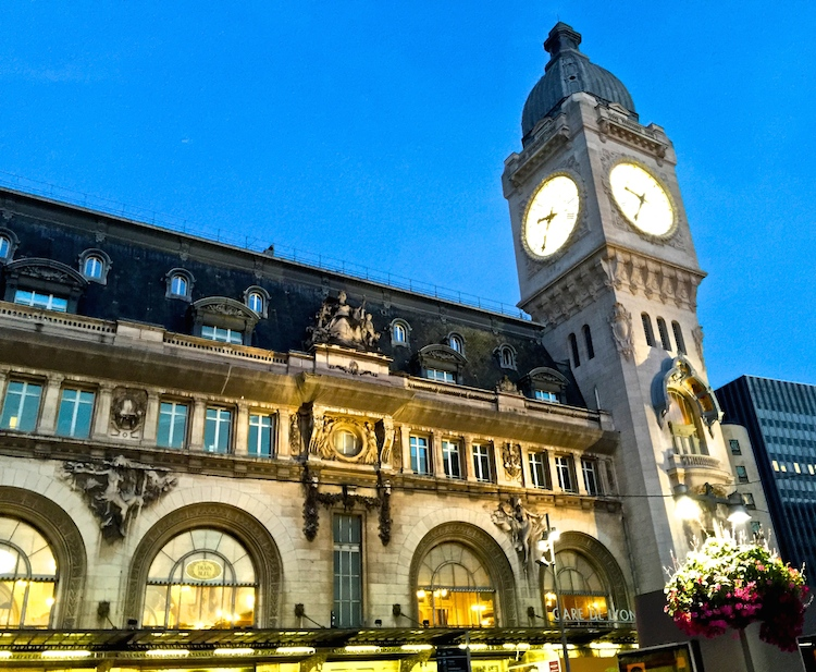This elegant train station has an equally elegant restaurant with great Paris food.