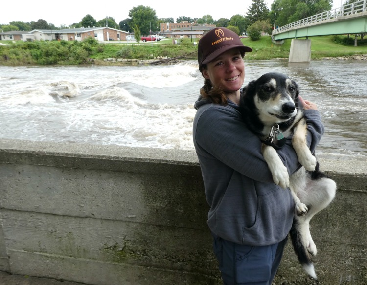 iowa-whitewater-park-kayak-and-river-sup-guru-hannah-and-her-dog-bella