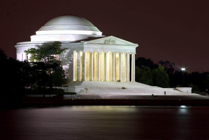 Visitors have many choices when it comes to seeing the sites, but nothing beats a self-guided walking tour of Washington DC- and it's FREE!