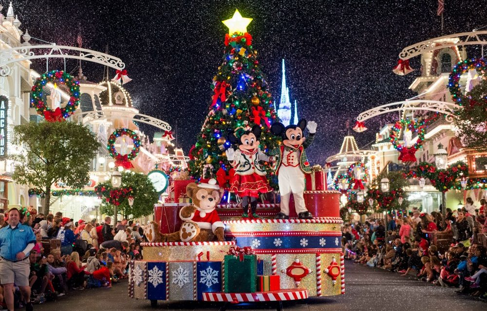 14 Must Do Winter Holiday Experiences at Walt Disney World + a Giveaway!