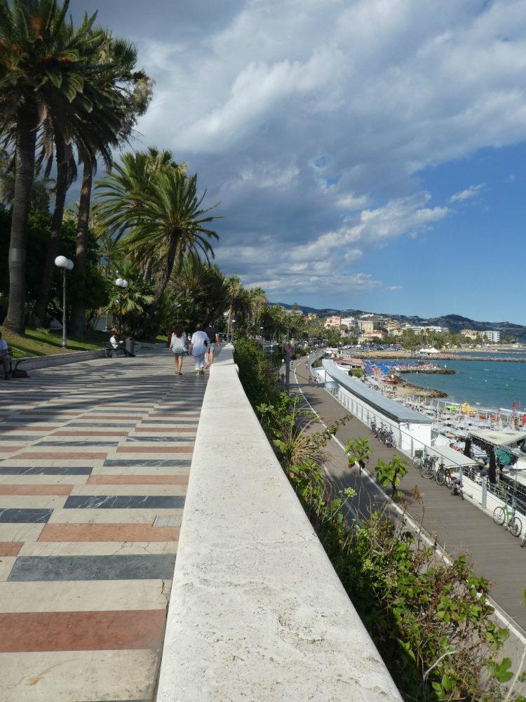 San Remo's boardwalk goes on and on, Cinque Valli, Italy