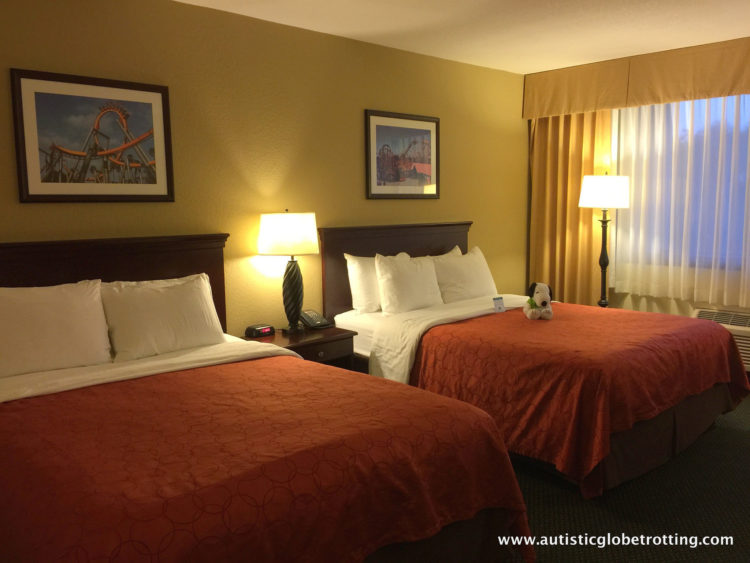 If you're looking for a comfortable and convenient place to stay in Buena Park, the Knott's Berry Farm Hotel should be your top choice.