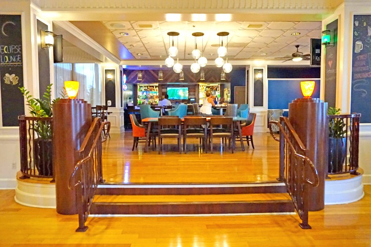 Bar area at Wyndham Lake Buena Vista
