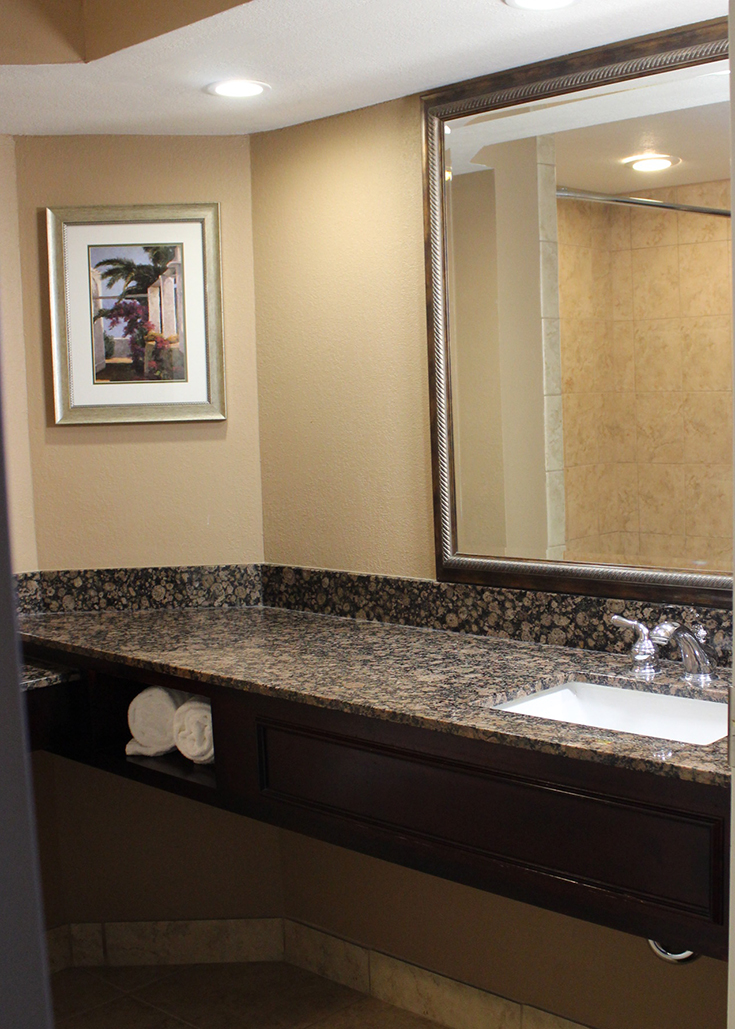 Buena Vista Suits review: bathroom view
