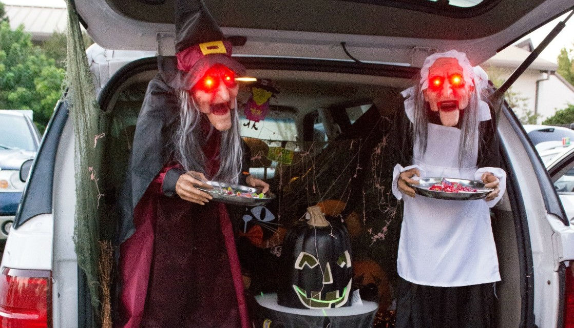 Trunk-Or-Treat: Getting Halloween Candy From Your Car