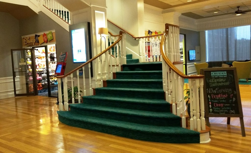 How many stairs on the Wyndham's grand lobby staircase? Photo credit: Gwen Kleist, Healthy TravelingMom.
