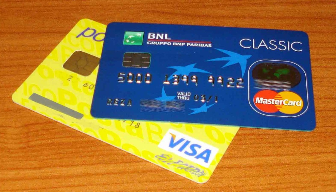 The Credit Card Chip: How Does It keep Travelers Safer?