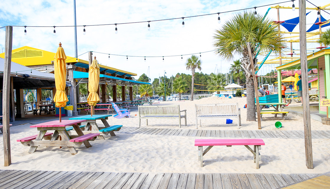 Play With Your Food: 3 Kid-Friendly Restaurants in Gulf Shores, Alabama