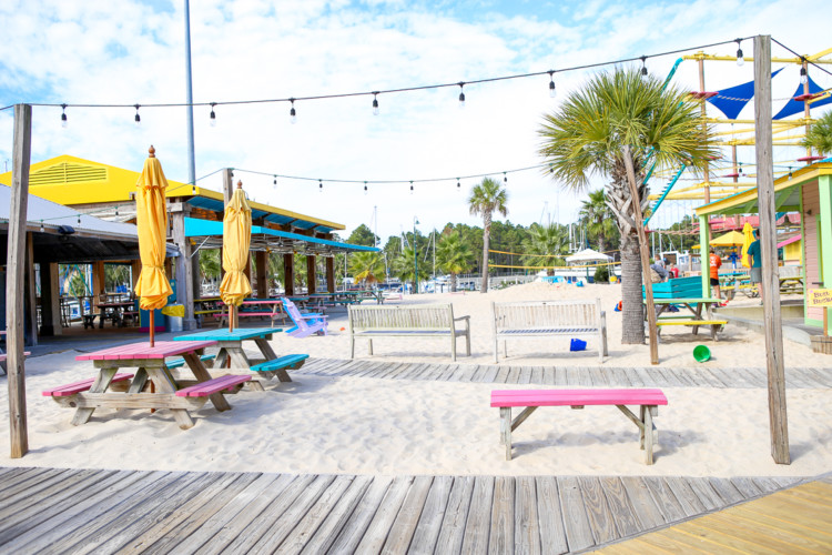 Family-friendly restaurants in Gulf Shores, Alabama