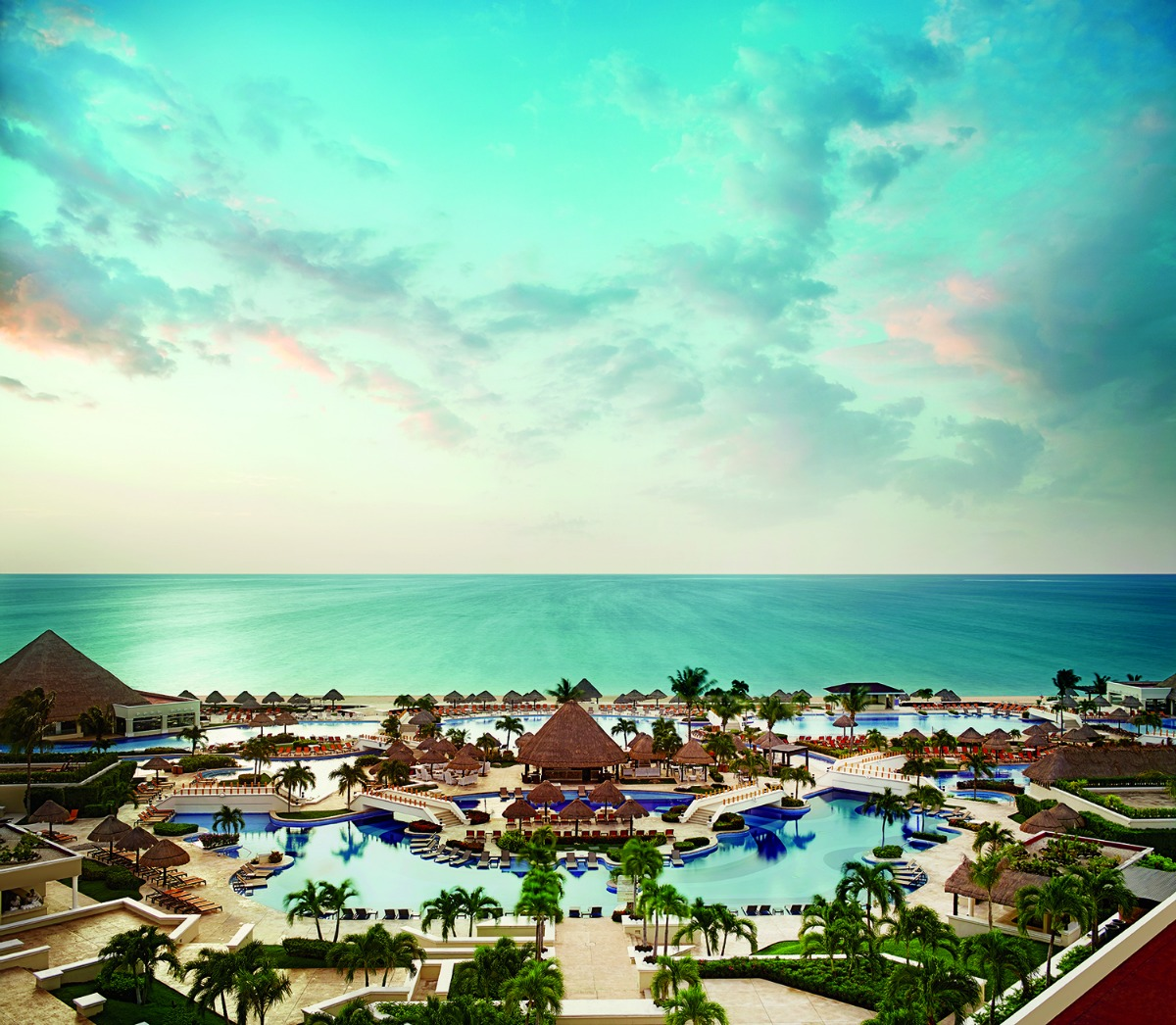 Palace Resorts are just one of dozens of Black Friday, Cyber Monday and Cyber Week deals at TravelingMom.com