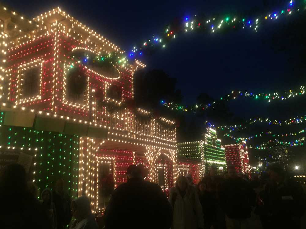 silver dollar city - When Does Branson Mo Decorate For Christmas