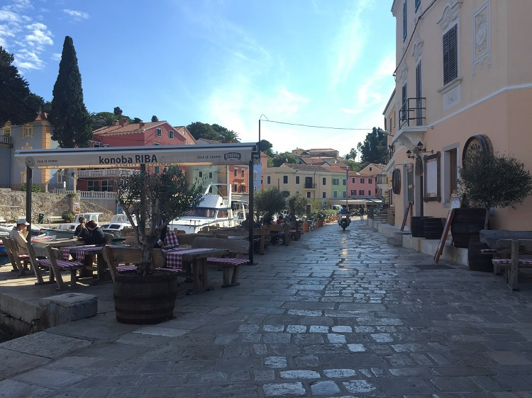 What mom doesn't dream of a luxury spa vacation? I got to experience the unique charms of Mali Losinj, Croatia, with fab food & drinks.