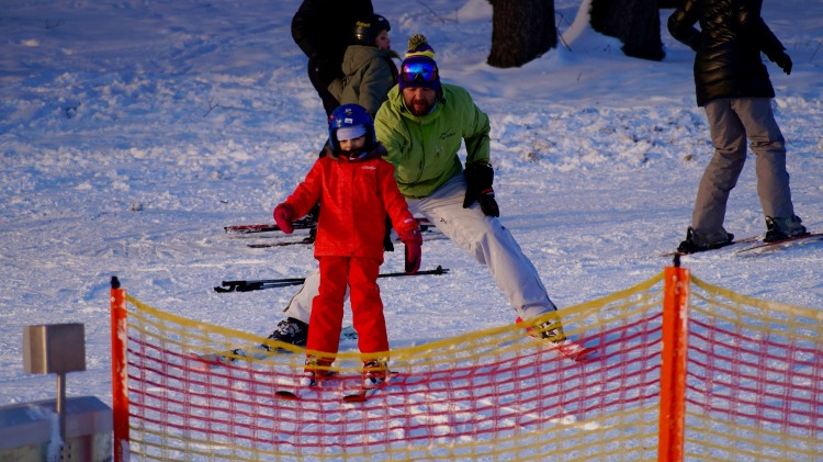 We love it when kids give skiing their all! Photo Credit: pixabay