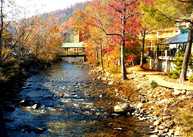 River Downtown Gatlinburg