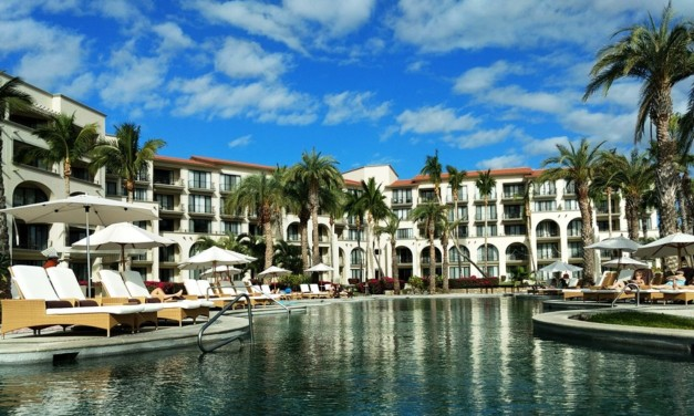 MomsEscape Package at All-Inclusive Dreams Resorts