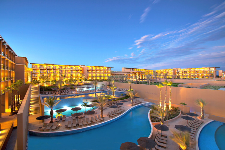 Marriott Caribbean & Latin America Resorts invites you to take advantage of these great winter travel deals.