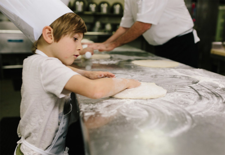 Kids have a blast making their own pizzas during the Little Chefs activity at The Naples Grande. Photo Credit: Kristin Moore Photography | friend of the Fabulously Frugal TravelingMom