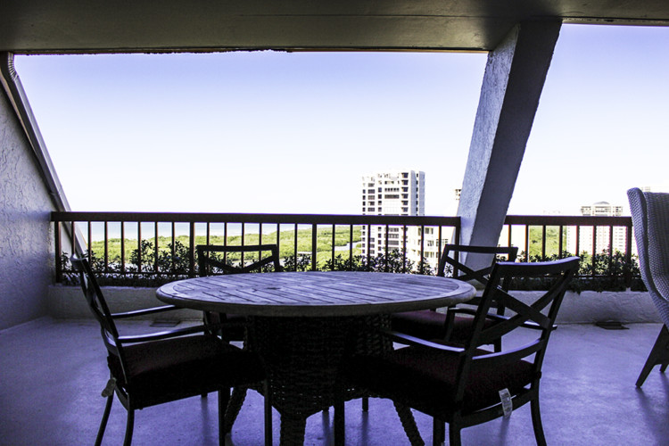 The suites at The Naples Grande have a fabulous outdoor dining are with a view. Photo Credit: Hannah Rinaldi   Fabulously Frugal TravelingMom