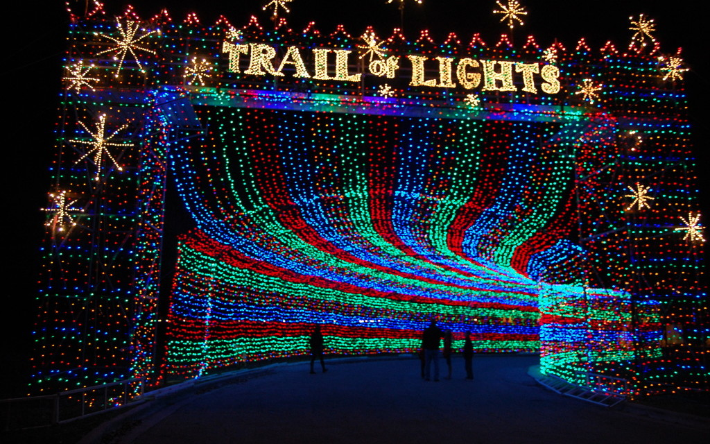 5 Best Central Texas Holiday Trail of Lights
