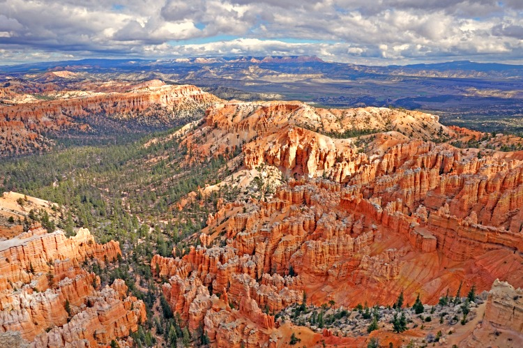 Bryce Canyon National Park. Distance views.