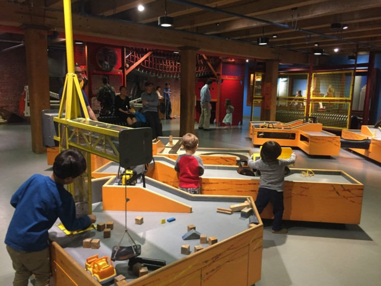 Make Way for Ducklings is an excellent book for planning your trip to Boston with kids. Here are a few ideas for things to in Boston with kids.