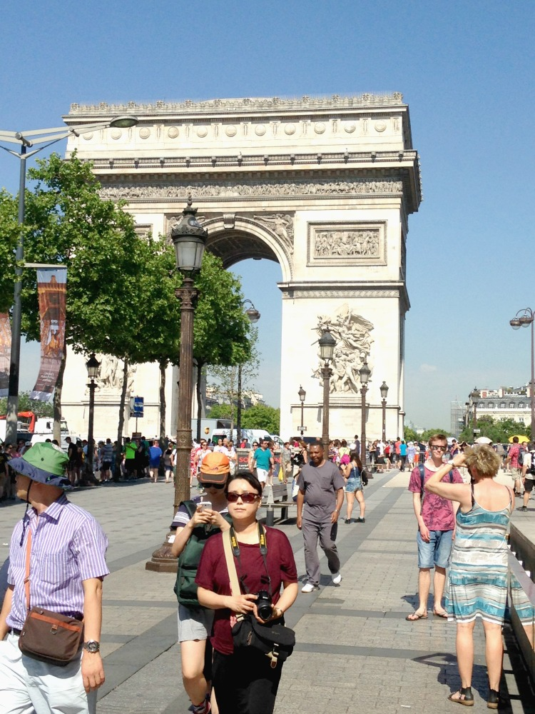 There are many historical and contemporary things to do in Paris. Serendipity TMOM shares how she and her family did Paris in an unconventional way.
