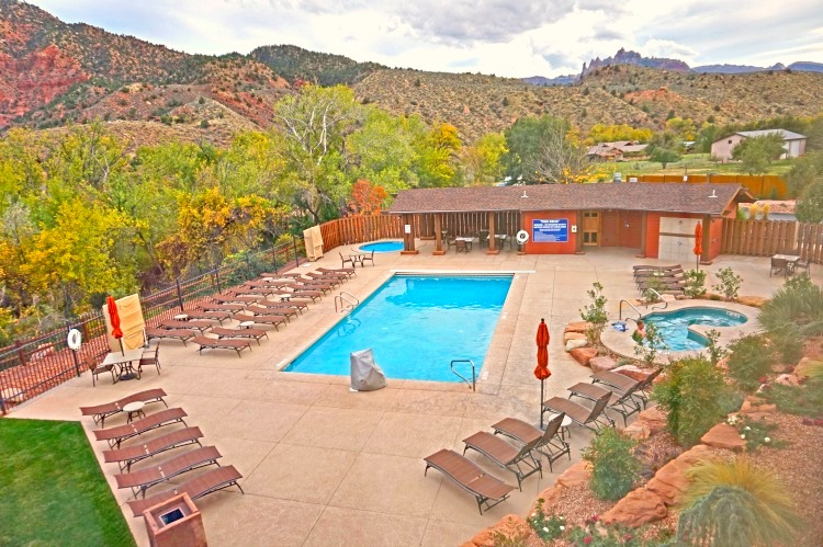 Where to stay near Zion National Park. Beautiful pool area at Holiday Inn Express Springdale