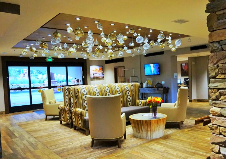 Where to stay near Zion National Park. Stylish lobby at Holiday Inn Express Sprindale, Utah