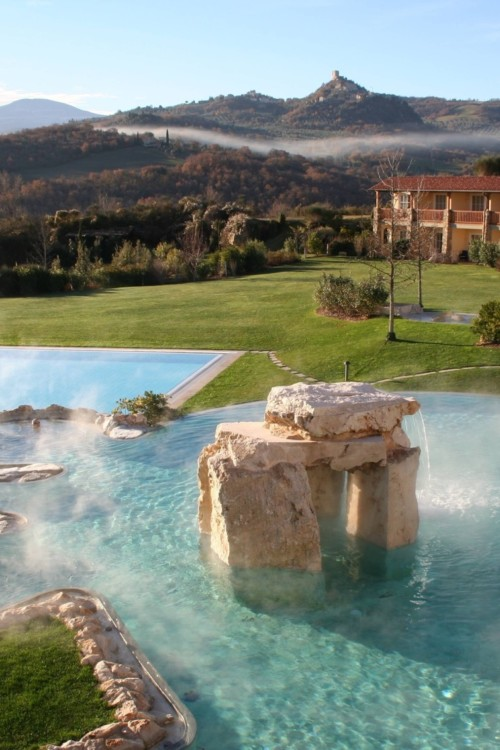 Thermal spa in Tuscany, a luxurious wellness retreat and a way to reset your lifestyle.