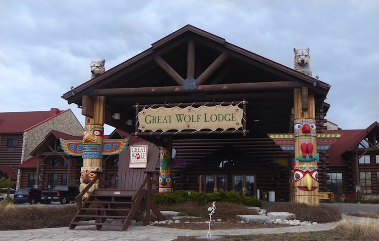 Leave room in your budget for these 6 splurges at Great Wolf Lodge Niagara Falls.
