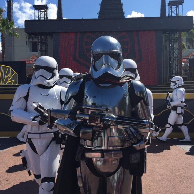 One day at Hollywood Studios touring plan includes a stop at the new Star Wars show.