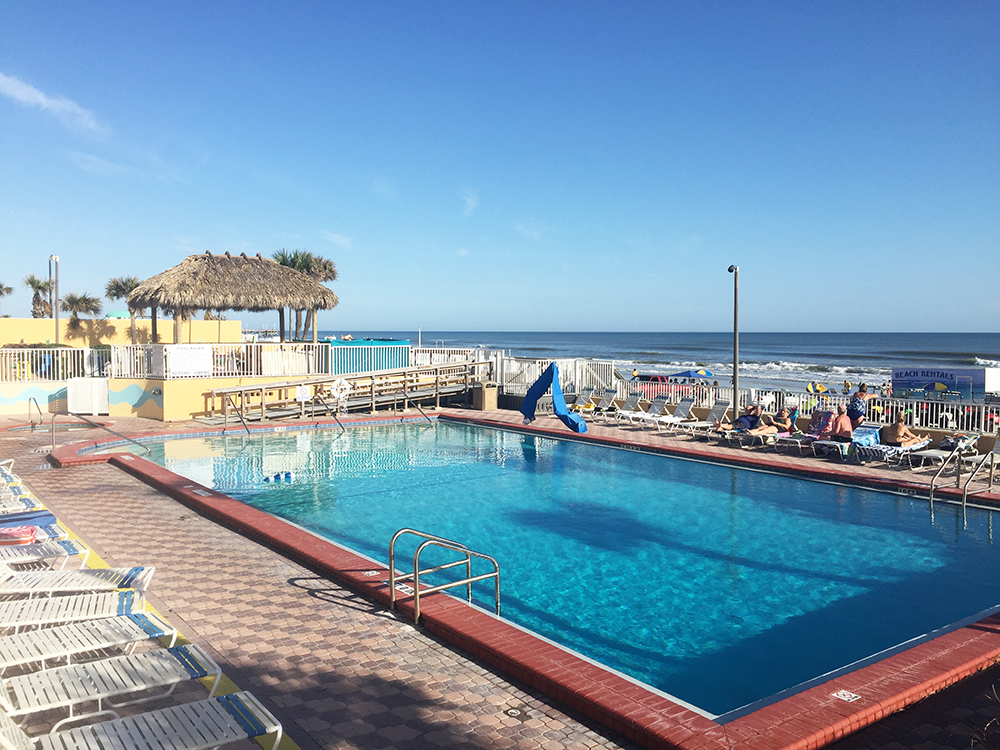 Planning a family beach vacation? Check out Daytona Beach resorts. A hotel review of the Fountain Beach Resort can help you decide where to stay.