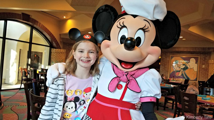 meeting characters at character dining meals is a fun activity for preschoolers at disneyland